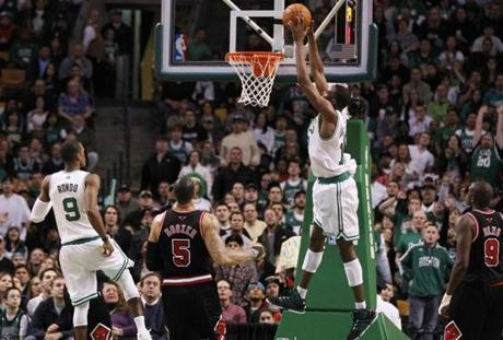 Rajon Rondo's 13th assist is this alley-oop to JaJuan Johnson in the fourth quarter. Rondo finished with 15 assists, to go with 32 points and 10 rebounds.